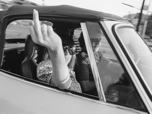 MIKE MANDEL: PEOPLE IN CARS, COLLECTION 1970S A LOS ANGELES