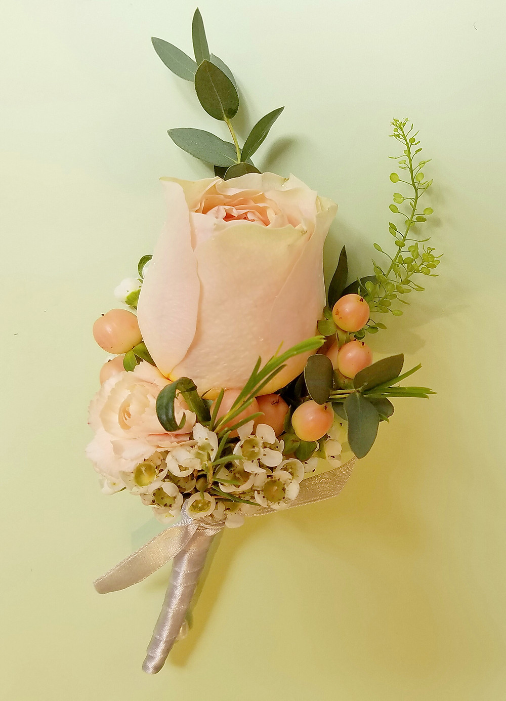 Flowers designed for wedding in 2017 and we look to desing for your dream occasion
