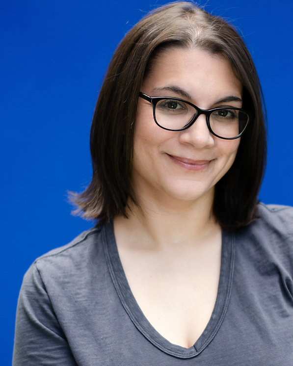 Gina Scarpa is a female voice actor with a professional home studio