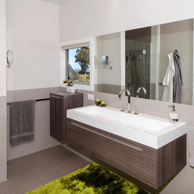 Wharekaho_Bathroom