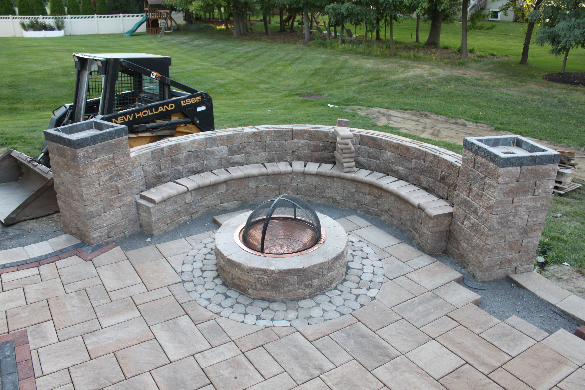 FIRE PIT & SITTING WALL