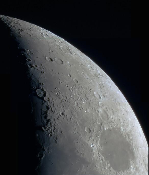 Moon quarter