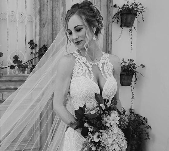 Love is In the Hair! #weddinghair #brida
