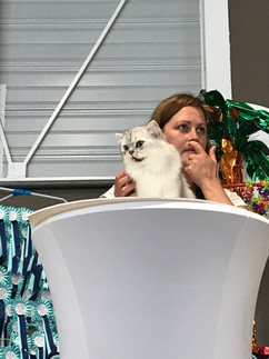 Hariton sur le podium