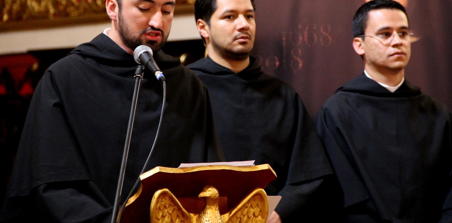 Frailes agustinos