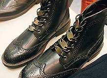 作業着ファッションショー,靴ひもの飾り(正栄工業(株))