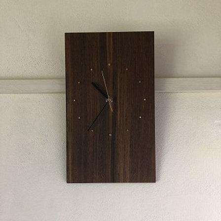 ウォルナットの掛時計