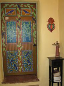 Aspen_room_painted_entry_door.JPG