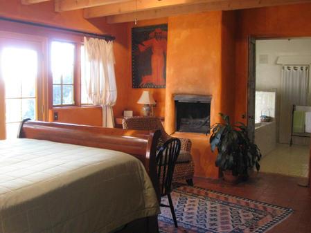 Aspen_room_interior_2.JPG