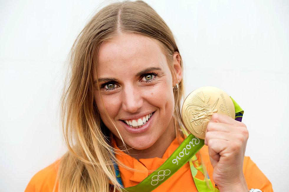 mb gold medal.jpg