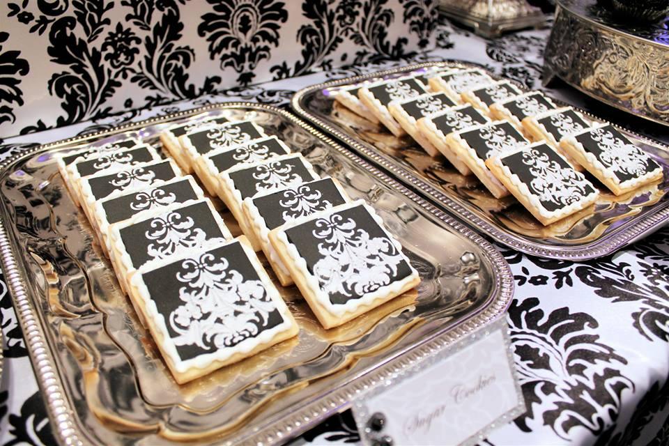 B&W Damask Cookies