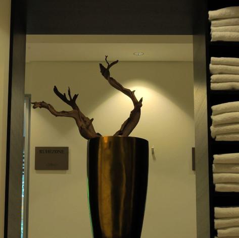 Spa Oberursel - Vase mit Baum.jpeg