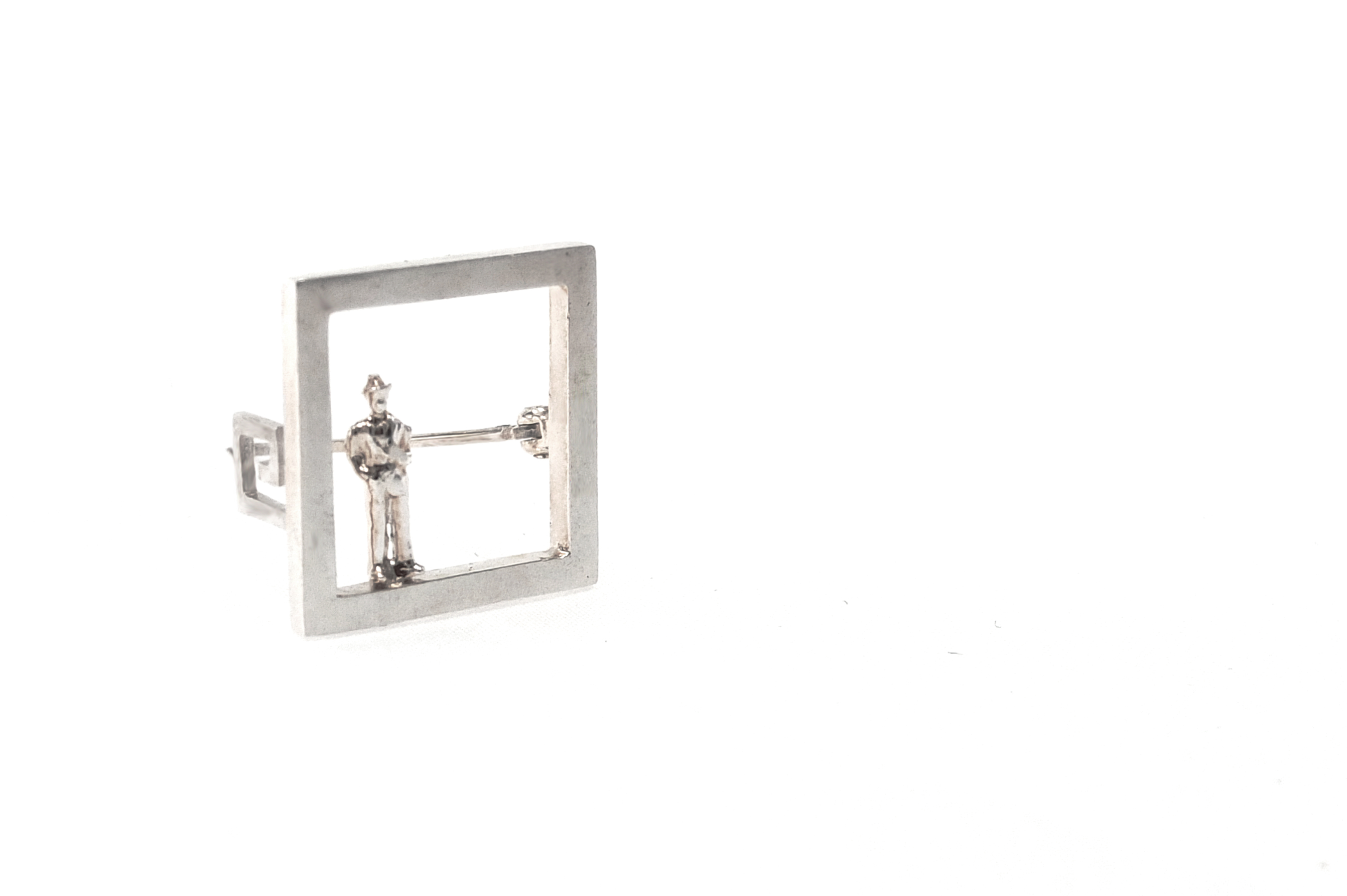 square-brooch-perspective