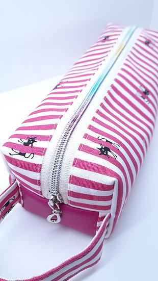 pennalhus katter og striper i pink