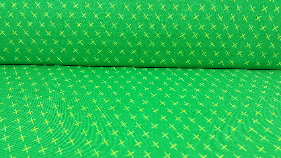Modern Marks Christa Watson, kryss gult på gressgrønn, 0,5 meter