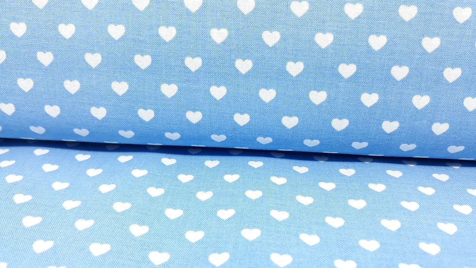 bomullstoff lyseblå med hvite hjerter 6mm