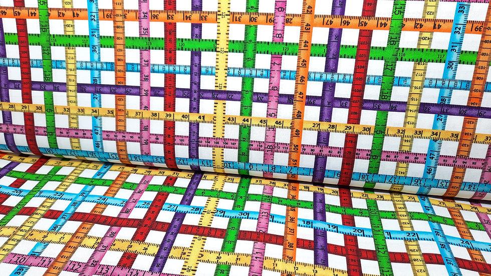 Sewing Box Greta Lynn, flerfargete målebånd på hvit, 0,5 m