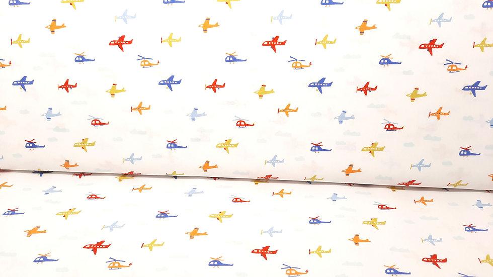 bomullstoff Fly with me!, fly og helikopter på hvit