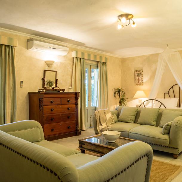 Cortijo El Aguilon, Luxury Villa Tarifa: Courtyard Cottage