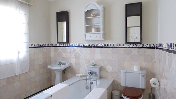 Cortijo El Aguilon: Private Luxury Beach Villa, Tarifa, with Swimming Pool and Tennis Court