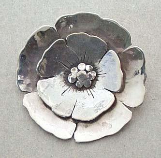 Beachrose brooch