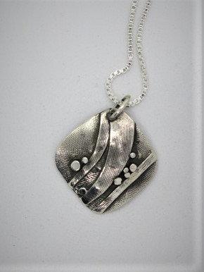 Bnc3 small square silver pendant