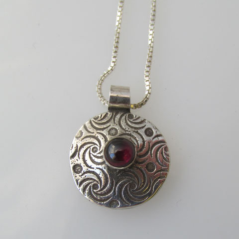 NC-C4 Dot and spiral pendant with stone