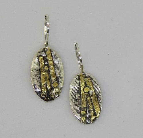 Dwa7 silver & 22k gold earring