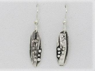 B14 small oval drop silver earring