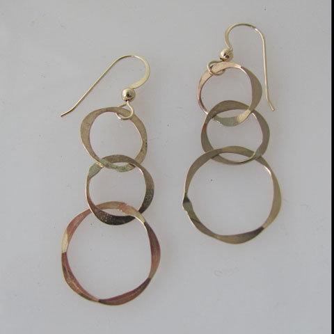D162 Triple circle earring