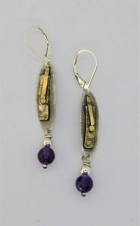 Dwa9 Mixed metal earring with amethyst.