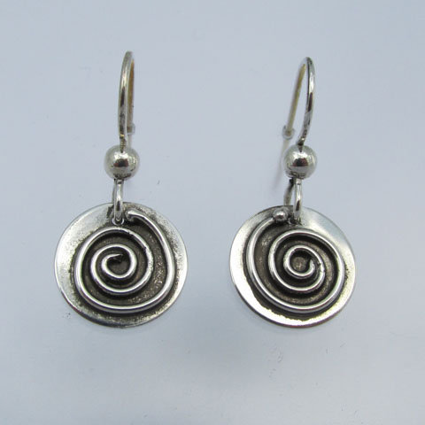 Sp4  Small with spiral earring