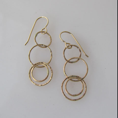 D163 Hammered linked earring