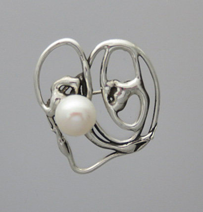 TP1 Tidal Swirl Brooch with pearl