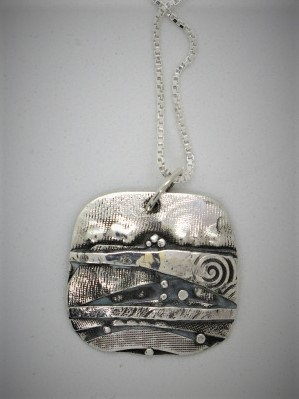Bnc2 Large birch square silver pendant