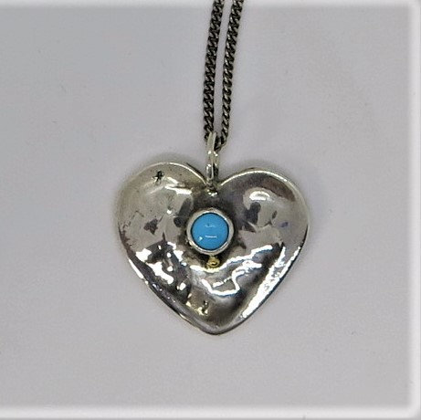 H4 Small heart with Turquoise pendant