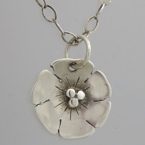 "nc-d112a  Tiny beach rose necklace. 1/2"" round"