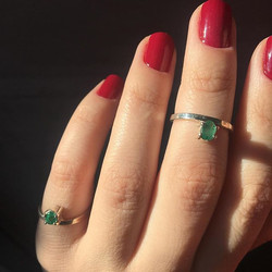 anel esmeralda petit