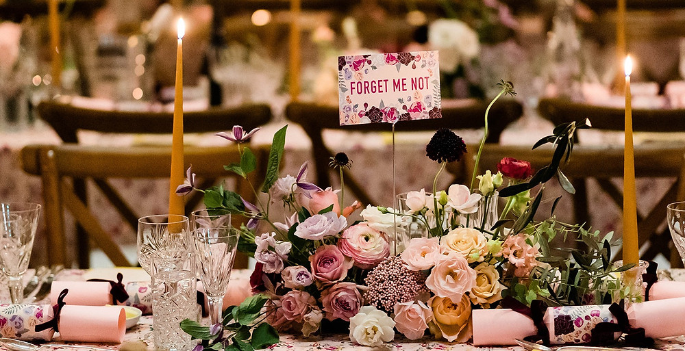 How to choose your wedding colours Elmore Court New Years Eve Deabill and Quince