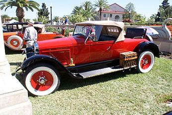 Wills_Sainte_Claire_1921_Roadster.jpg