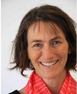 正向心理學家芭芭拉.弗雷德里克森博士(Dr. Barbara Fredrickson),專門研究正面情緒對人類的影響