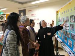 4-1修女帶領來賓參觀會院