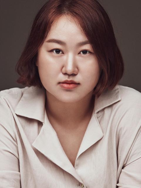 LEE HYEON JIN