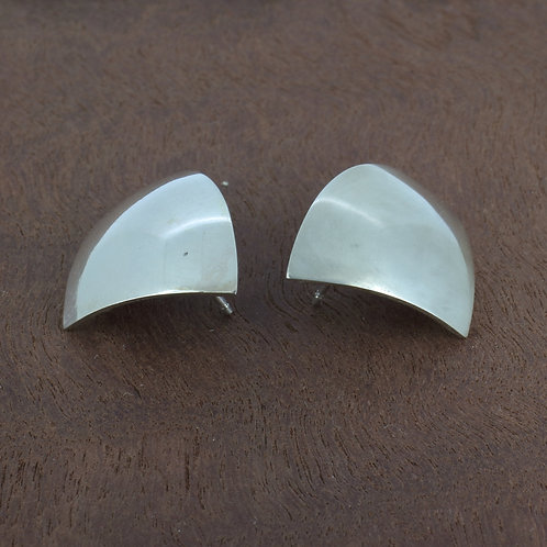 Sterling silver geometric sail shape stud earrings