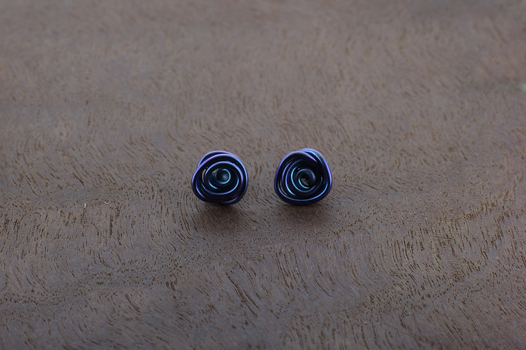 Niobium wire small, delicate, vibrant, blue/purple handmade rose stud
