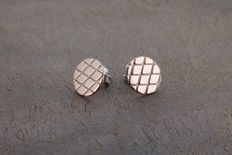 Copper diamond texture small, elegant, handmade, flat disc stud