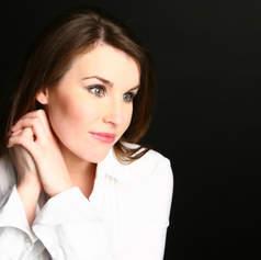 Anna Devin, soprano