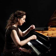 Angela Hewitt, piano
