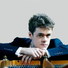 Benjamin Grosevnor, piano