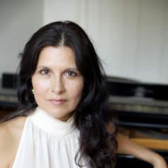 Ana-Maria Vera, piano